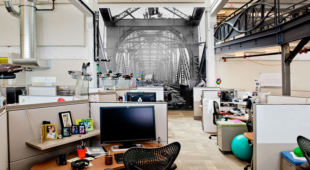 Life Size Scenes Of Vintage Pittsburgh Emphasize The Scale Workspace